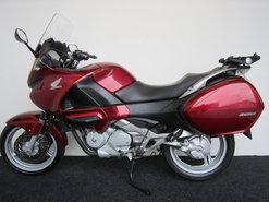 Honda-NT700V-Deauville-ABS